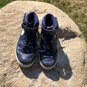 Nike Shoes - Size 9 Men's Blue Nike Air Tennis Shoes